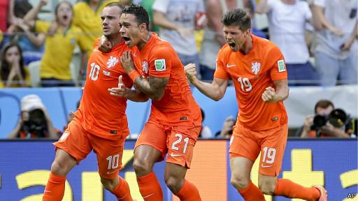 Hravciam zbirnoji Hollandiji važko strymuvaty emociji